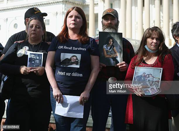 Kim Langley Laura Christian Randal Rademaker and Mary Ruddy stand with other families members of drivers who were killed while driving a GM car...
