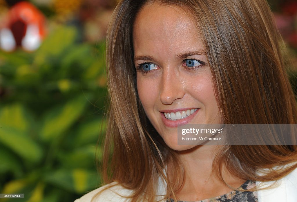 Kim Sears attends the VIP preview day of The Chelsea Flower Show at The Royal Hospital Chelsea on May 19, 2014 in London, England.