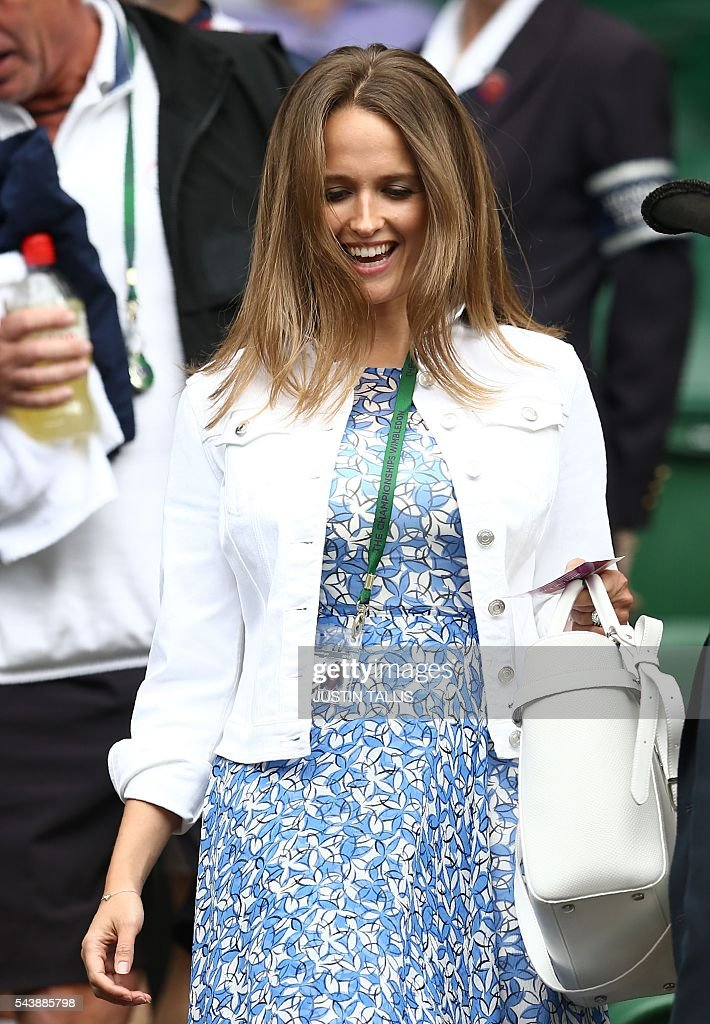 Kim Sears, the wife of Andy Murray arrives to watch her husband play Taiwan's Lu Yen-hsun in their men's singles second round match on the fourth day of the 2016 Wimbledon Championships at The All England Lawn Tennis Club in Wimbledon, southwest London, on June 30, 2016. / AFP / JUSTIN
