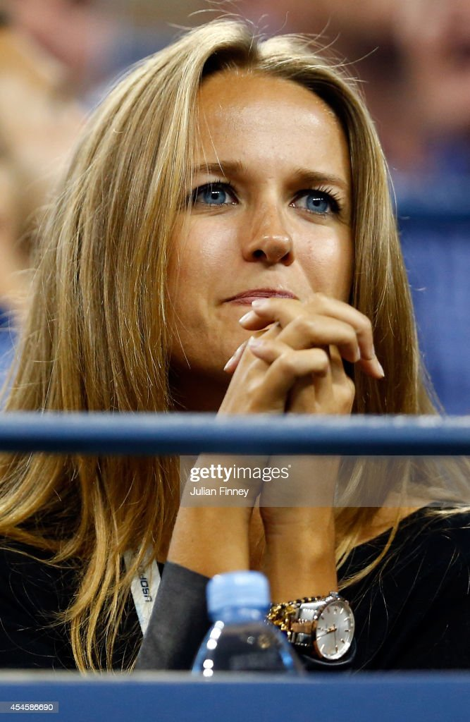 Kim Sears watches her boyfriend Andy Murray of Great Britain play against Novak Djokovic of Serbia in their men's singles quarterfinal match on Day Ten of the 2014 US Open at the USTA Billie Jean King National Tennis Center on September 3, 2014 in the Flushing neighborhood of the Queens borough of New York City.