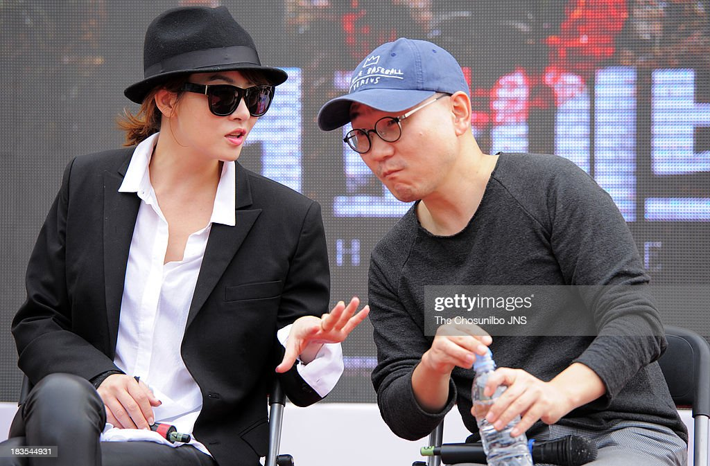 <a gi-track='captionPersonalityLinkClicked' href=/galleries/search?phrase=Kim+Sun-A&family=editorial&specificpeople=4360741 ng-click='$event.stopPropagation()'>Kim Sun-A</a> and Jung Yeon-Sik attend a Open Talk 'The Five' during the 18th Busan International Film Festival (BIFF) at BIFF Olleh KT special stage on October 5, 2013 in Busan, South Korea.