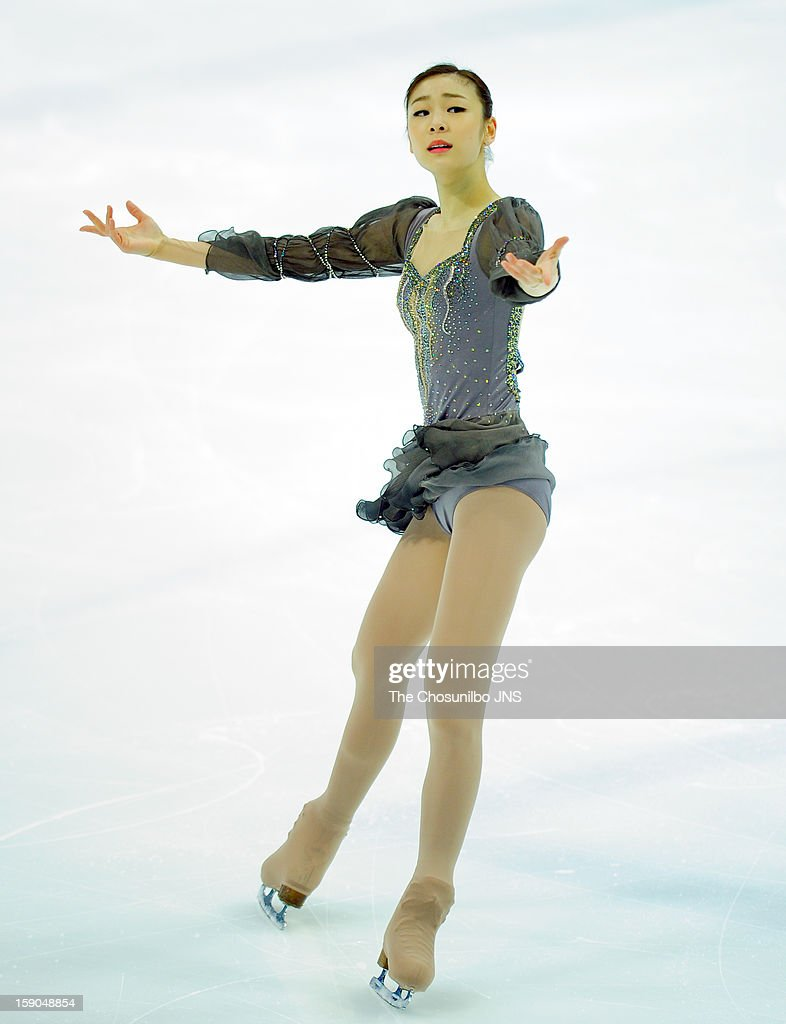 <a gi-track='captionPersonalityLinkClicked' href=/galleries/search?phrase=Kim+Yu-Na&family=editorial&specificpeople=4198415 ng-click='$event.stopPropagation()'>Kim Yu-Na</a> performs during day three of Korea Figure Skating Championshpis 2013 at Mokdong Ice Rink on January 6, 2013 in Seoul, South Korea.
