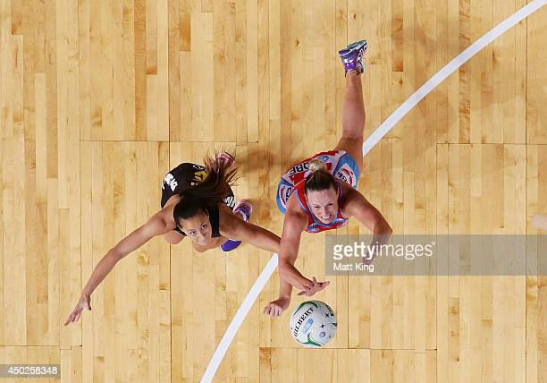 Kimberlee Green of the Swifts competes with Courtney Tairi of the Magic during the ANZ Championship Minor Semi Final match between the Sydney Swifts...