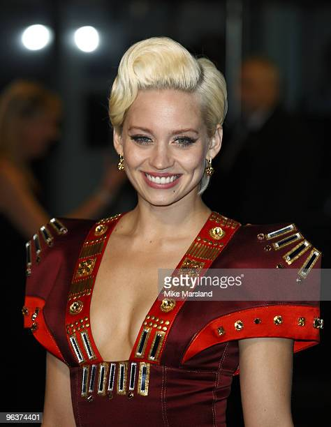 Kimberley Wyatt attends the World Premiere of Avatar at Odeon Leicester Square on December 10 2009 in London England