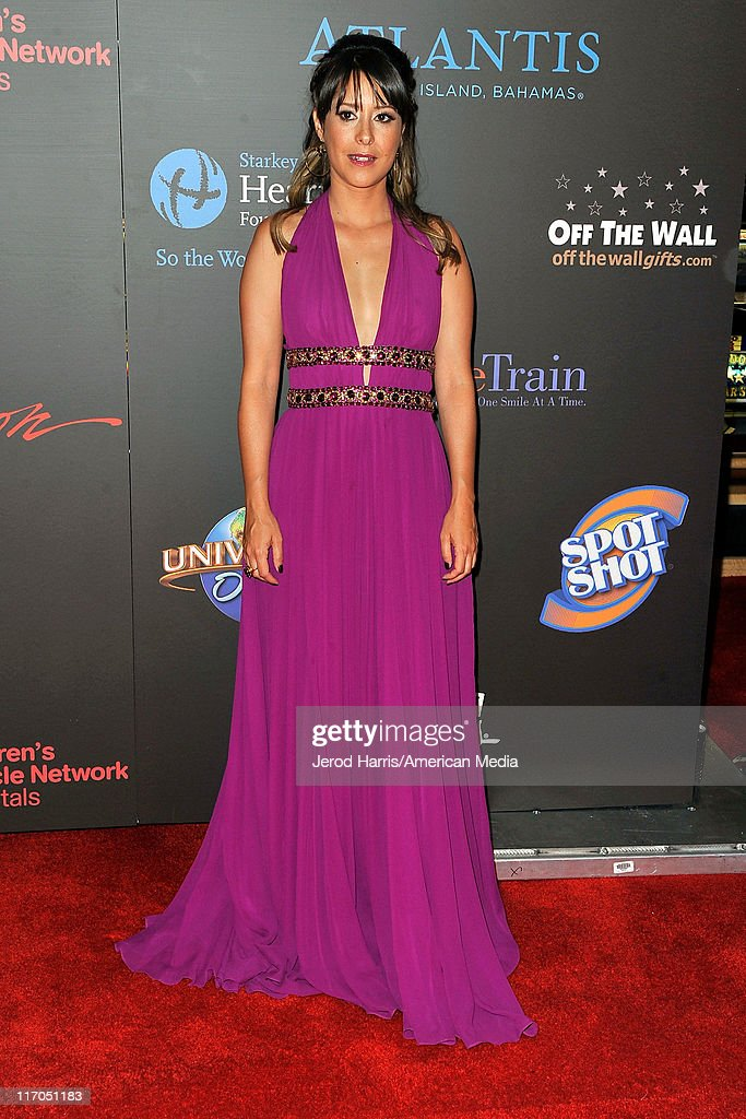 Kimberly McCullough arrives at 38th Annual Daytime Entertainment Emmy Awards For Soap Opera Weekly on June 19, 2011 in Las Vegas, Nevada.