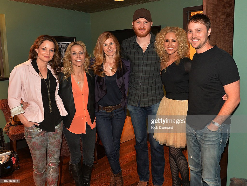 Kimberly Paisley (TV's Nashville), Sheryl Crow, Connie Britton (TV's Nashville), Singer/Songwriter Eric Paslay, Kimberly Schlapman (Little Big Town) and BeBo Norman - Recording Artist backstage at 'An Evening with Sheryl Crow' to benefit New Hope Academy at The Franklin Theater on April 21, 2013 in Franklin, Tennessee.