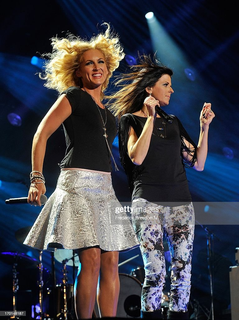Kimberly Schlapman and Karen Fairchild of Little Big Town perform at LP Field during the 2013 CMA Music Festival on June 7, 2013 in Nashville, Tennessee.