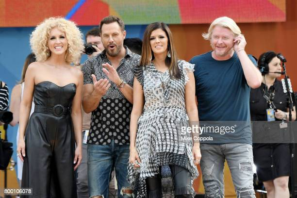 Kimberly Schlapman Jimi Westbrook Karen Fairchild and Philip Sweet of Little Big Town pose onstage on ABC's 'Good Morning America' at Rumsey...