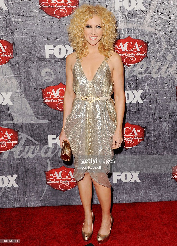 Kimberly Schlapman of Little Big Town arrives at the 2012 American Country Awards at Mandalay Bay on December 10, 2012 in Las Vegas, Nevada.