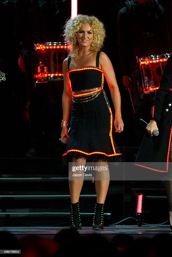 Kimberly Schlapman of <a gi-track='captionPersonalityLinkClicked' href=/galleries/search?phrase=Little+Big+Town+-+Band&family=editorial&specificpeople=577176 ng-click='$event.stopPropagation()'>Little Big Town</a> performs during the 48th annual CMA awards at the Bridgestone Arena on November 5, 2014 in Nashville, Tennessee.