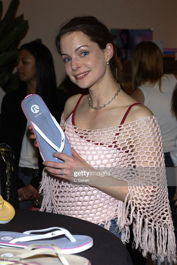 Kimberly Williams at Report during The Oxygen Celebrity Dodgeball Tournament to Benefit the Elizabeth Glaser Pediatric AIDS Foundation. Celebrity Gift Room on 3/29/2003 Produced By On 3 Productions. at Hollywood American Legion Post 43 in Hollywood, California, United States.