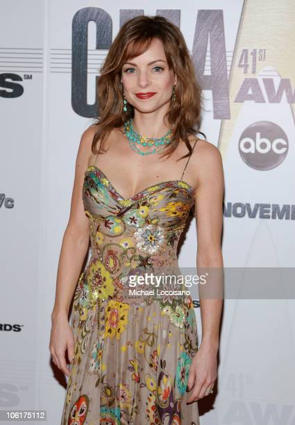 Kimberly WilliamsPaisley arrives at the 41st Annual CMA Awards at the Sommet Center on November 7 2007 in Nashville TN