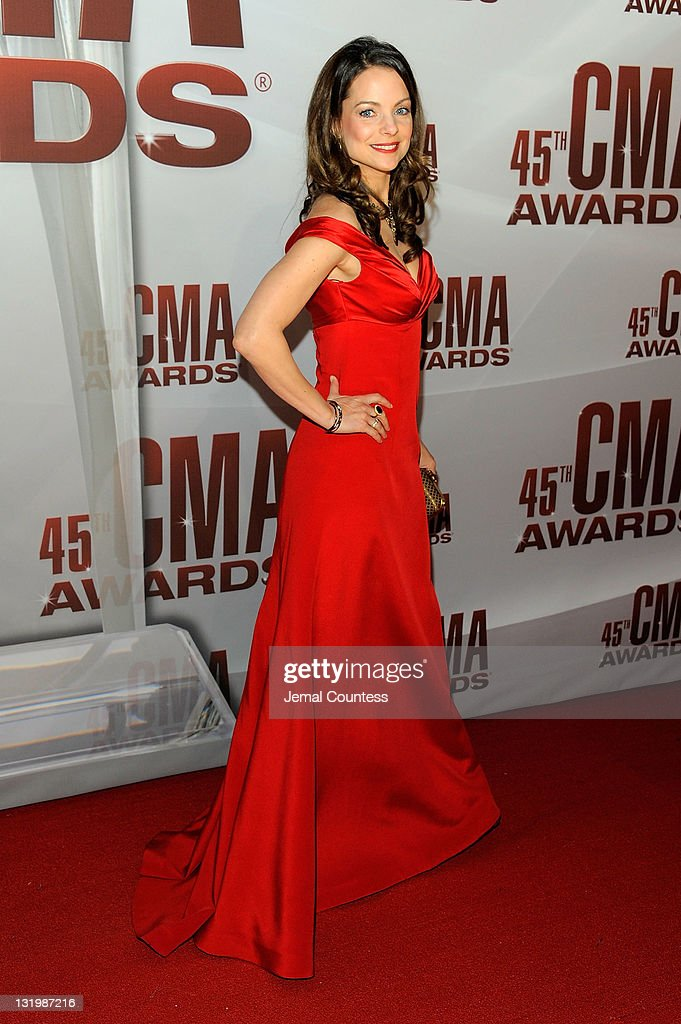 <a gi-track='captionPersonalityLinkClicked' href=/galleries/search?phrase=Kimberly+Williams-Paisley&family=editorial&specificpeople=208903 ng-click='$event.stopPropagation()'>Kimberly Williams-Paisley</a> attends the 45th annual CMA Awards at the Bridgestone Arena on November 9, 2011 in Nashville, Tennessee.