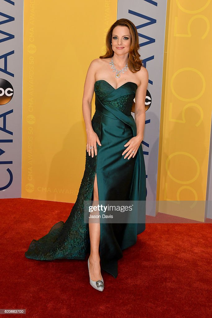 Kimberly Williams-Paisley attends the 50th annual CMA Awards at the Bridgestone Arena on November 2, 2016 in Nashville, Tennessee.