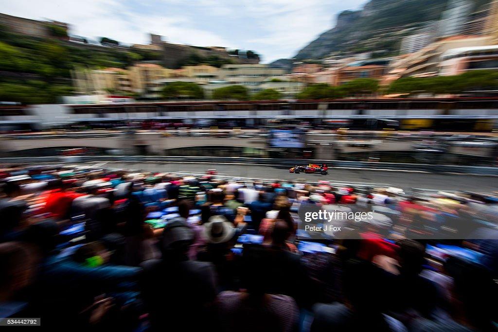 26: <a gi-track='captionPersonalityLinkClicked' href=/galleries/search?phrase=Kimi+Raikkonen&family=editorial&specificpeople=201904 ng-click='$event.stopPropagation()'>Kimi Raikkonen</a> of Ferrari and Finland during practice for the Monaco Formula One Grand Prix at Circuit de Monaco on May 26, 2016 in Monte-Carlo, Monaco.