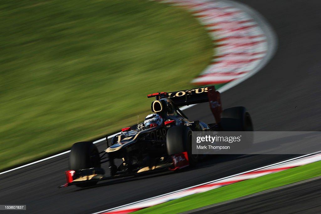 Kimi Raikkonen of Finland and Lotus drives during the Japanese Formula One Grand Prix at the Suzuka Circuit on October 7, 2012 in Suzuka, Japan.