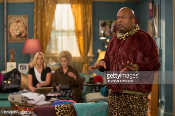 SCHMIDT 'Kimmy Bites an Onion' Episode 313 Pictured Jane Krakowski as Jacqueline White Carol Kane as Lillian Kaushtupper Tituss Burgess as Titus...