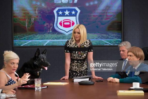 SCHMIDT 'Kimmy Pulls Off a Heist' Episode 310 Pictured Paula Pell as Bev Jane Krakowski as Jacqueline White Sam McMurray as Doug Gozer Chris Parnell...