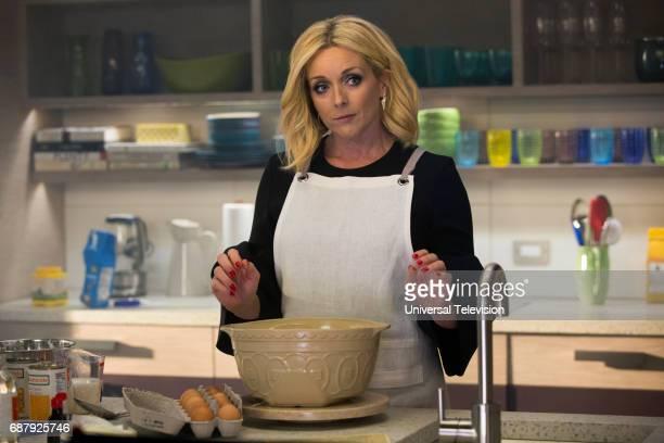 SCHMIDT 'Kimmy Steps on a Crack' Episode 305 Pictured Jane Krakowski as Jacqueline White