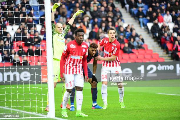 Kimpembe Presnel of PSG awaits a corner surrounded by Nancy players during the French Ligue 1 match between Paris Saint Germain and Nancy at Parc des...