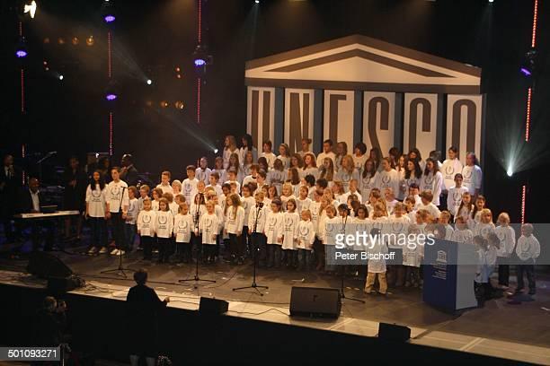 KinderChor CharityVeranstaltung 18 'UnescoBenefizGala' 2010 für Kinder in Not Hotel 'Maritim' Düsseldorf NordrheinWestfalen Deutschland Europa Bühne...