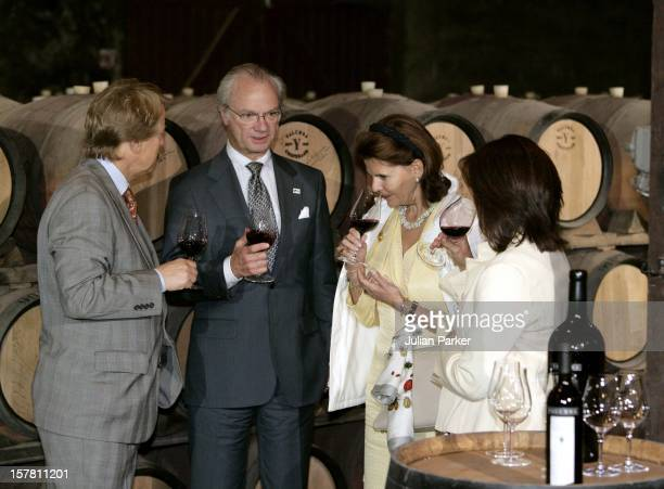 King Carl Gustav Queen Silvia Of Sweden State Visit To AustraliaVisit To The Yalumba Wine Company In The Barossa Valley Near Adelaide