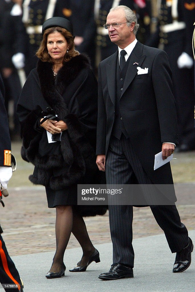 King Carl XVI Gustaf and Queen Silvia arrive for the funeral ceremony of Prince Claus of the Netherlands at the Nieuwe Kerk church October 15, 2002 in Delft, Netherlands. Prince Claus, husband to Queen Beatrix, died October 6, 2002 after a long battle with Parkinson's disease and pneumonia.