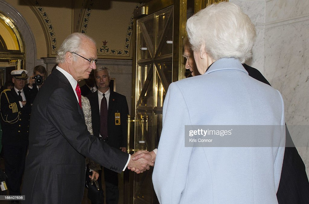 King Carl XVI Gustaf and Queen Silvia Renate during a visit to the Thomas Jefferson Building on May 9, 2013 in Washington, DC.