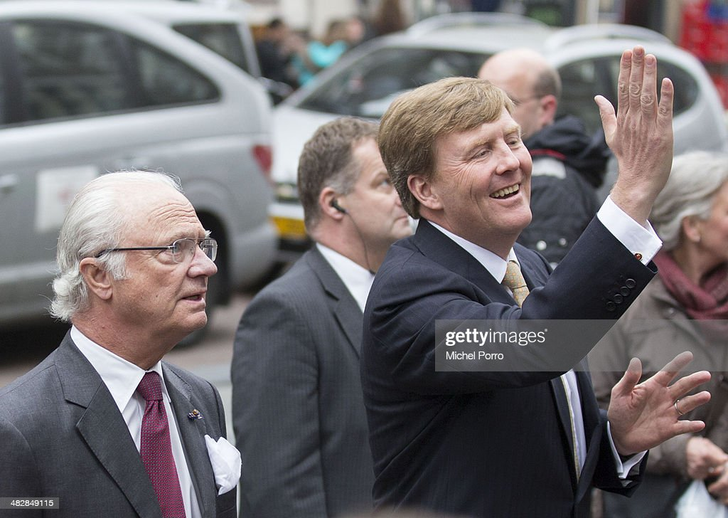 King Carl XVI Gustaf Of Sweden (L) and <a gi-track='captionPersonalityLinkClicked' href=/galleries/search?phrase=King+Willem-Alexander&family=editorial&specificpeople=160214 ng-click='$event.stopPropagation()'>King Willem-Alexander</a> of The Netherlands at the start of an official two day visit to Holland on April 4, 2014 in Amsterdam, Netherlands.