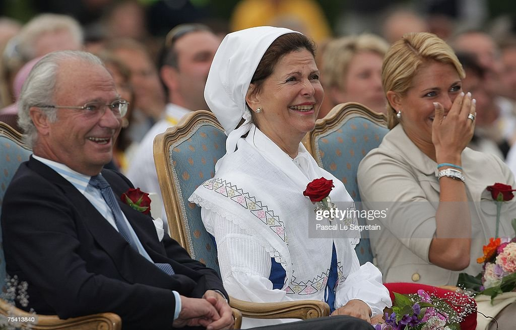 king-carl-xvi-gustaf-of-sweden-queen-silvia-of-sweden-and-princess-picture-id75413840
