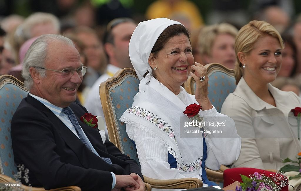 king-carl-xvi-gustaf-of-sweden-queen-silvia-of-sweden-and-princess-picture-id75413849