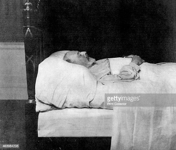 'King Edward VII in His Last Sleep' 1910 King Edward VII died at Buckingham Palace on 6th May 1910 A photograph from The Queen The Lady's Newspaper...