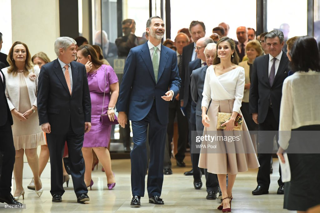 King Felipe of Spain (C) and Queen Letizia of Spain arrive for a visit to the Weston Library during their State visit to the UK on July 14, 2017 in Oxford, England. This is the first state visit by the current King Felipe and Queen Letizia, the last being in 1986 with King Juan Carlos and Queen Sofia.