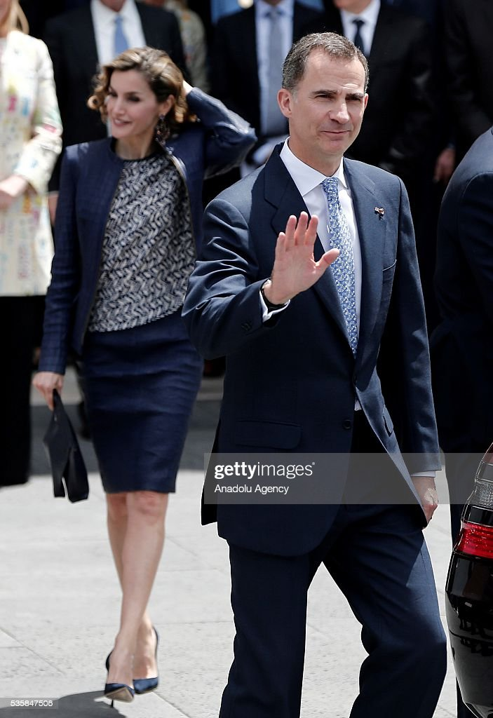 King Felipe (R) of Spain and Queen Letizia (L) of Spain attend the opening of the painting exhibition 'The Bosch' at El Prado Museum on May 30, 2016 in Madrid, Spain.