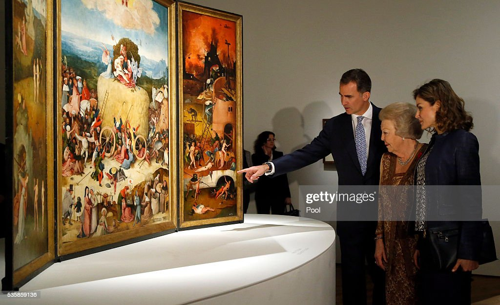 King Felipe of Spain (L), Queen Letizia of Spain (R) and Beatrix of the Netherlands during a visit to the 'El Bosco' 5th Centenary Anniversary Exhibition at El Prado Museum on May 30, 2016 in Madrid, Spain.