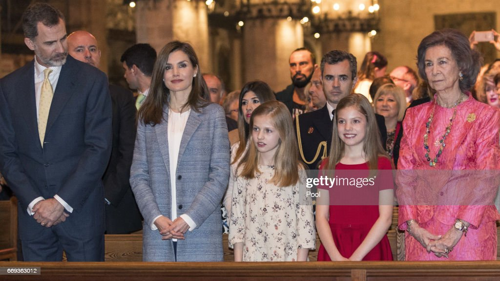 King Felipe of Spain, Queen Letizia of Spain, Princess Leonor, Princess Sofia and Queen Sofia attend the Easter Mass at the Cathedral of Palma de Mallorca on April 16, 2017 in Palma de Mallorca, Spain.