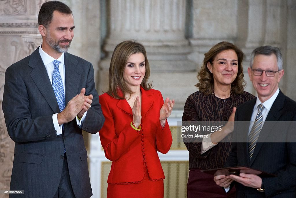 King Felipe VI of Spain (L) and Queen Letizia of Spain (2L) attend the Investigation National Awards 2014 at the Royal Palace on January 15, 2015 in Madrid, Spain.