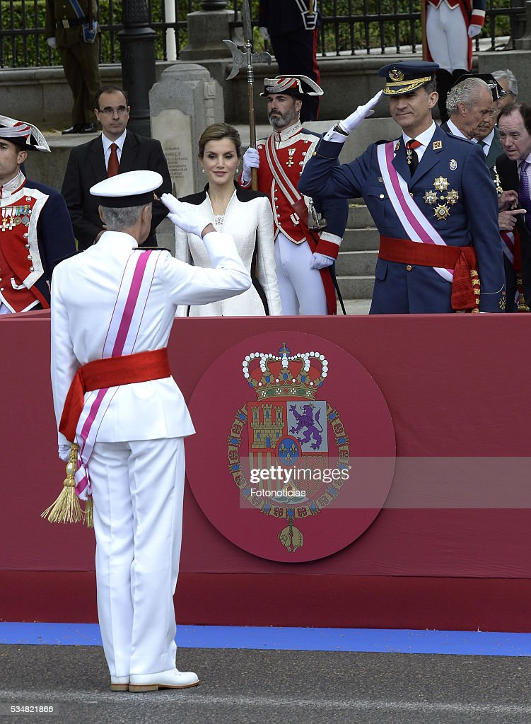 King <a gi-track='captionPersonalityLinkClicked' href=/galleries/search?phrase=Felipe+VI+of+Spain&family=editorial&specificpeople=4881076 ng-click='$event.stopPropagation()'>Felipe VI of Spain</a> and Queen <a gi-track='captionPersonalityLinkClicked' href=/galleries/search?phrase=Letizia+of+Spain&family=editorial&specificpeople=158373 ng-click='$event.stopPropagation()'>Letizia of Spain</a> attend the Armed Forces Day Hommage on May 28, 2016 in Madrid, Spain.