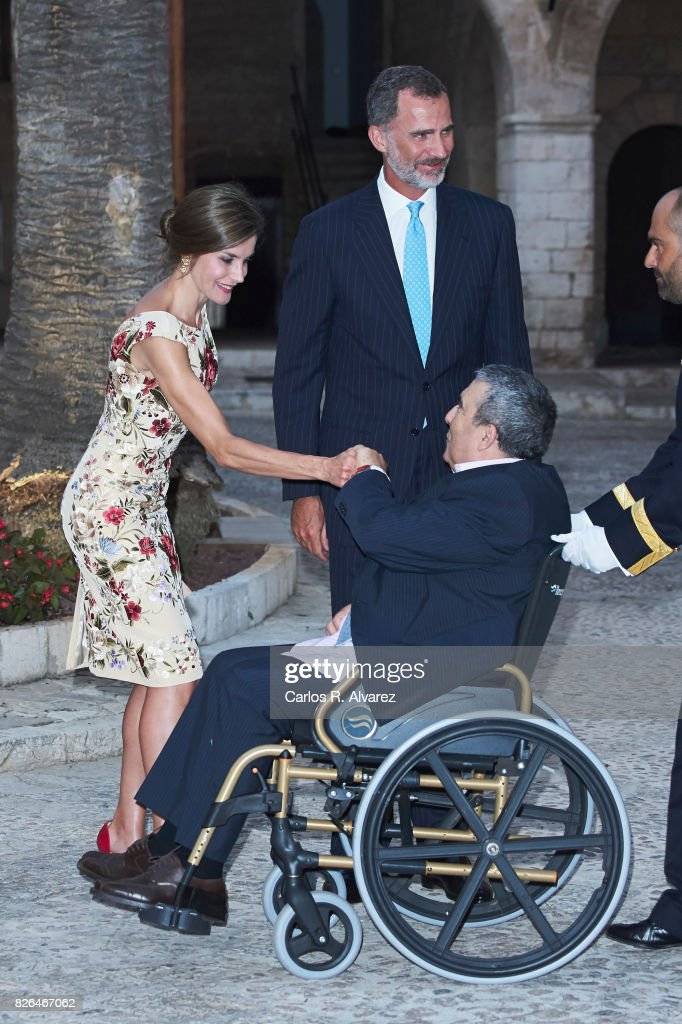 King Felipe VI of Spain and Queen Letizia of Spain host a dinner for authorities at the Almudaina Palace on August 4, 2017 in Palma de Mallorca, Spain.