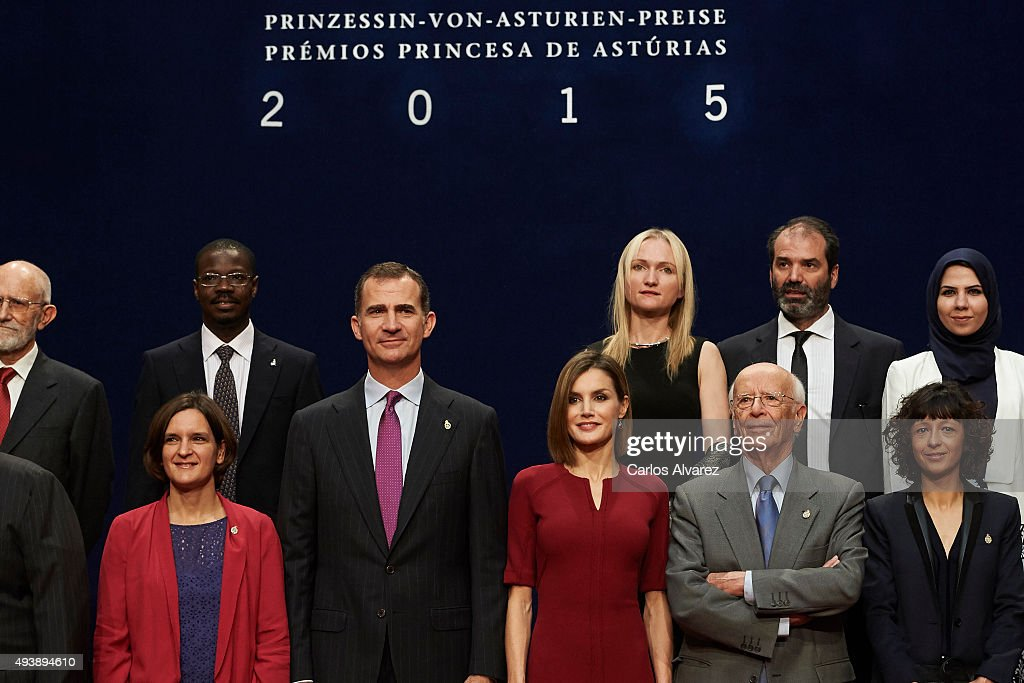 King Felipe VI of Spain (2L) and Queen Letizia of Spain (3R) pose for a picture with the 2015 Princess of Asturias Award laureates at the Reconquista Hotel during the Princesa de Asturias Awards 2015 day 2 on October 23, 2015 in Oviedo, Spain.