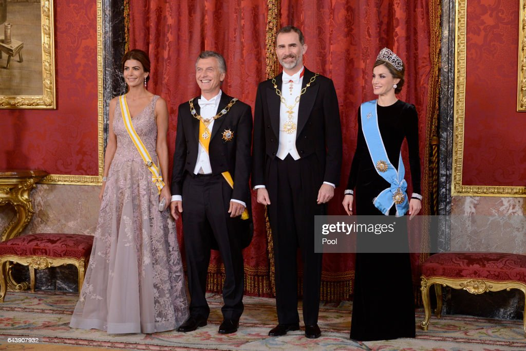 King Felipe VI of Spain (2R) and Queen Letizia of Spain (R) receive Argentina's President Mauricio Macri (2L) and wife Juliana Awada (L) for an Gala Dinner at the Royal Palace on February 22, 2017 in Madrid, Spain.