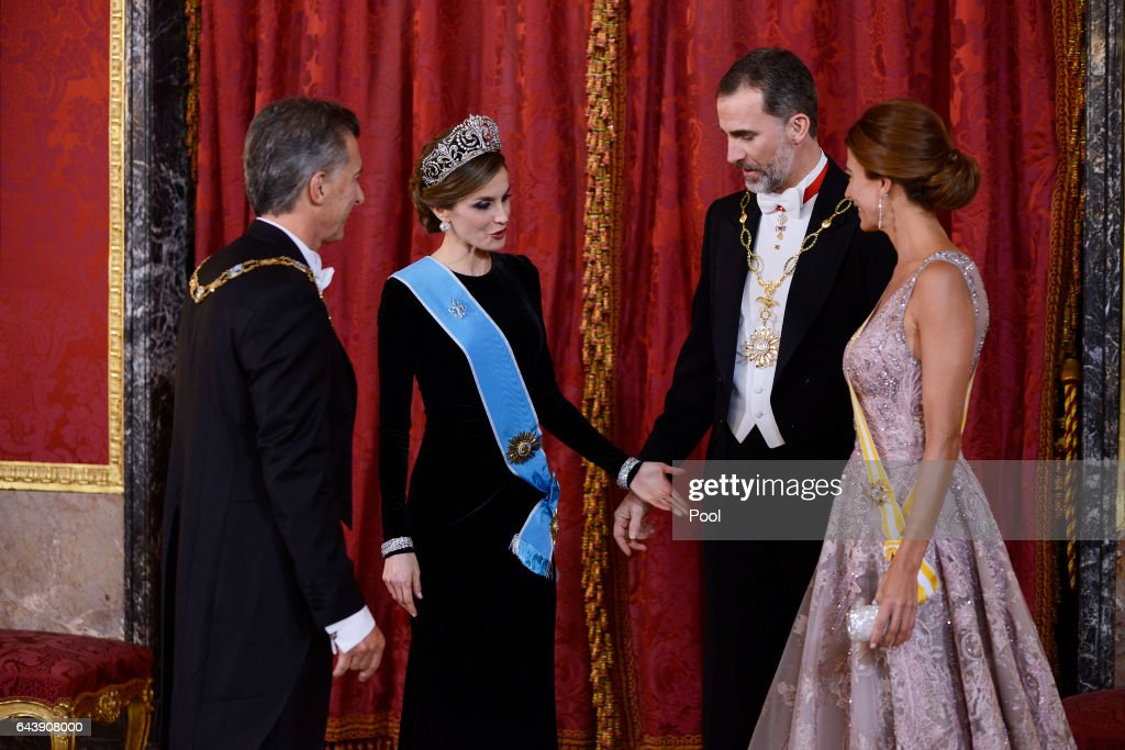 King Felipe VI of Spain (2R) and Queen Letizia of Spain (2L) receive Argentina's President Mauricio Macri (L) and wife Juliana Awada (R) for an Gala Dinner at the Royal Palace on February 22, 2017 in Madrid, Spain.