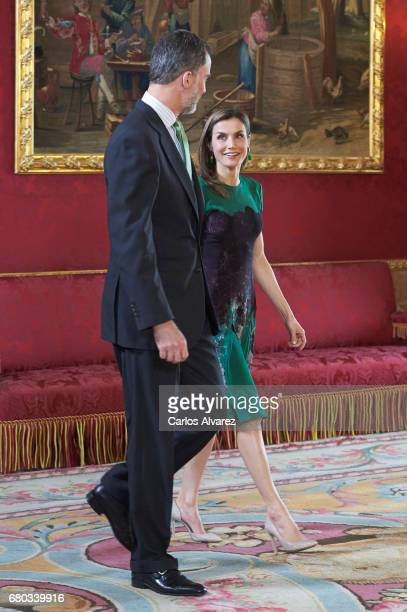 King Felipe VI of Spain and Queen Letizia of Spain receive Costa Rica's President Luis Guillermo Solis and wife Mercedes Penas Domingo for an...