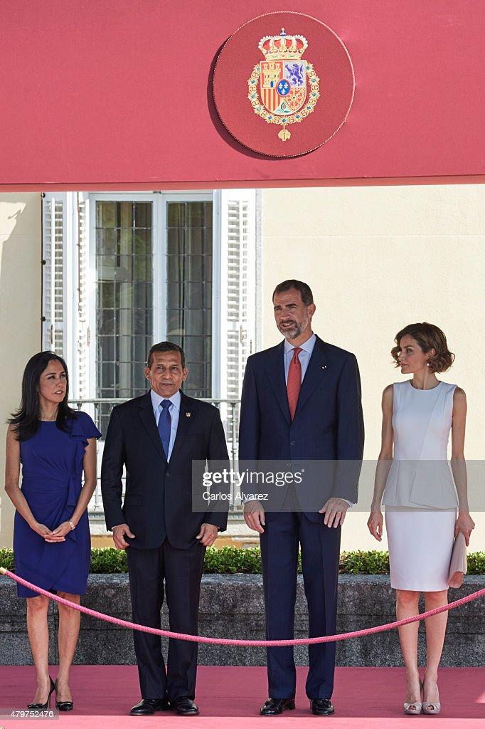 King Felipe VI of Spain and Queen Letizia of Spain receive Peruvian President Ollanta Humala Tasso and wife Nadine Heredia Alarcon at the El Pardo...