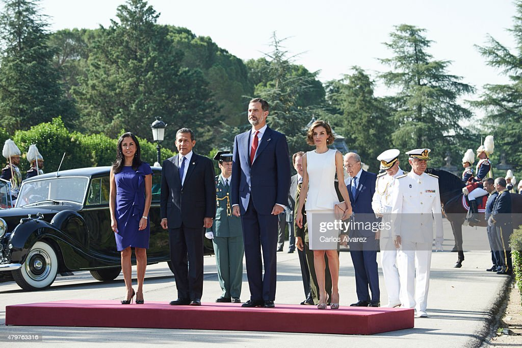 King Felipe VI of Spain (2nd R) and Queen Letizia of Spain (R) receive Peruvian President Ollanta Humala Tasso (2nd L) and wife Nadine Heredia Alarcon (L) at the El Pardo Palace on July 7, 2015 in Madrid, Spain.
