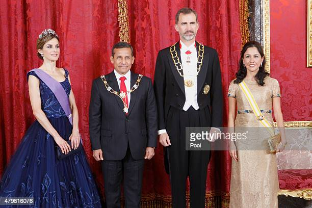 King Felipe VI of Spain and Queen Letizia of Spain receive Peruvian President Ollanta Humala Tasso and wife Nadine Heredia Alarcon at the Royal...