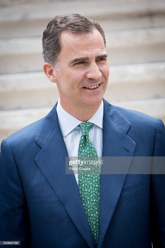 king-felipe-vi-of-spain-attends-cjc-2016-el-centenario-de-un-nobel-picture-id544842190