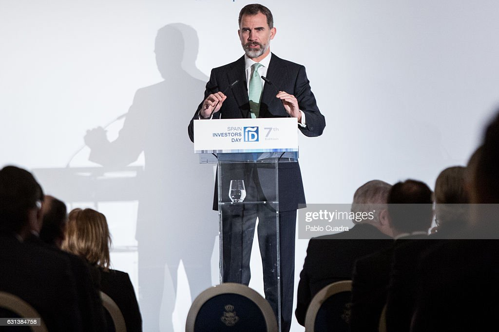 king-felipe-vi-of-spain-attends-the-spain-investors-day-at-ritz-hotel-picture-id631384758