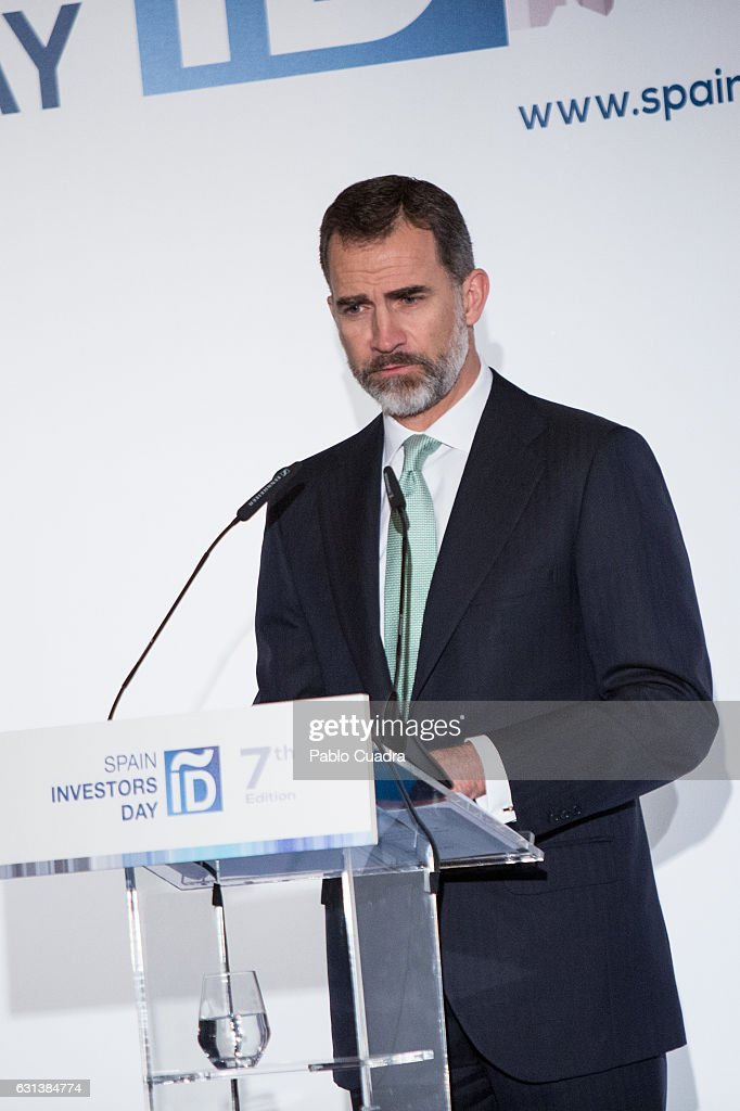 king-felipe-vi-of-spain-attends-the-spain-investors-day-at-ritz-hotel-picture-id631384774