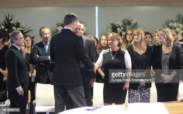 King Felipe VI of Spain Florentino Perez and relatives attend attends the funeral chapel for Real Madrid legend and honorary president Alfredo Di...